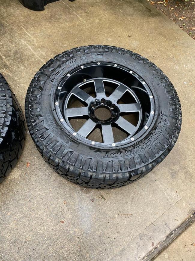Photo 20inch Moto Metal Wheels And Tires Nissan Titan