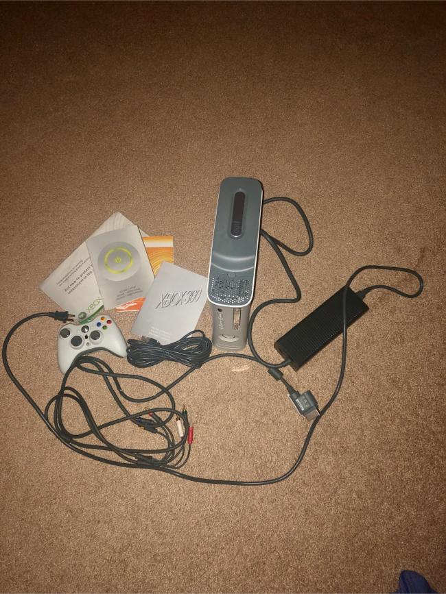 Photo XBox 360 console and accessories