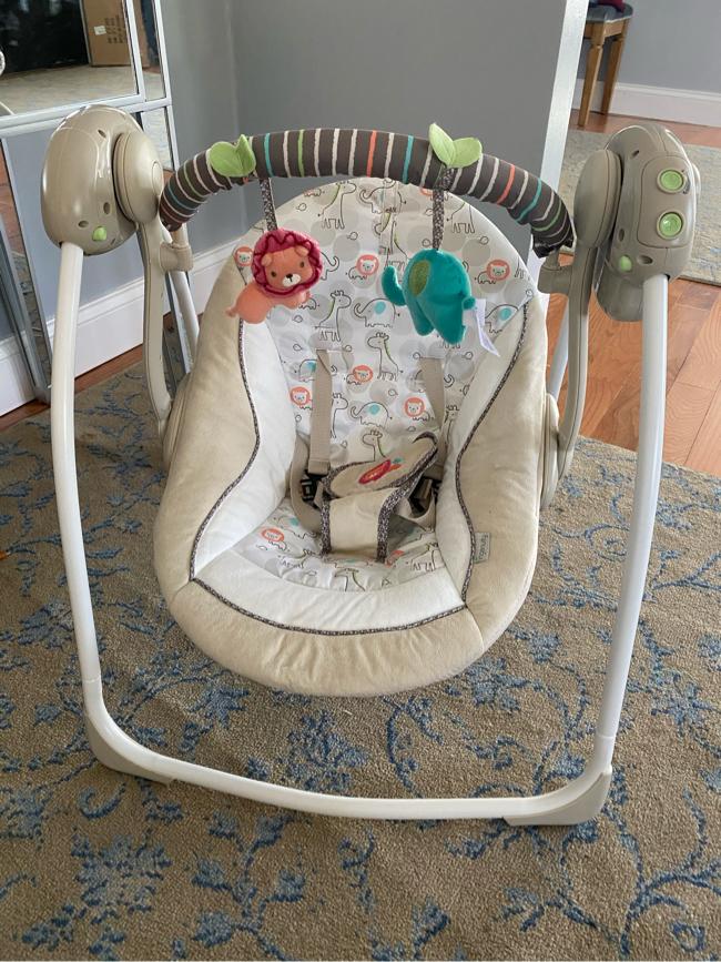 Photo Ingenuity baby portable swing