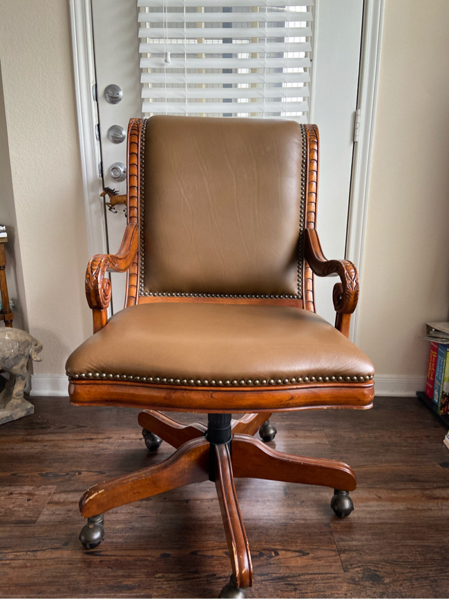 Photo Leather Desk Chair