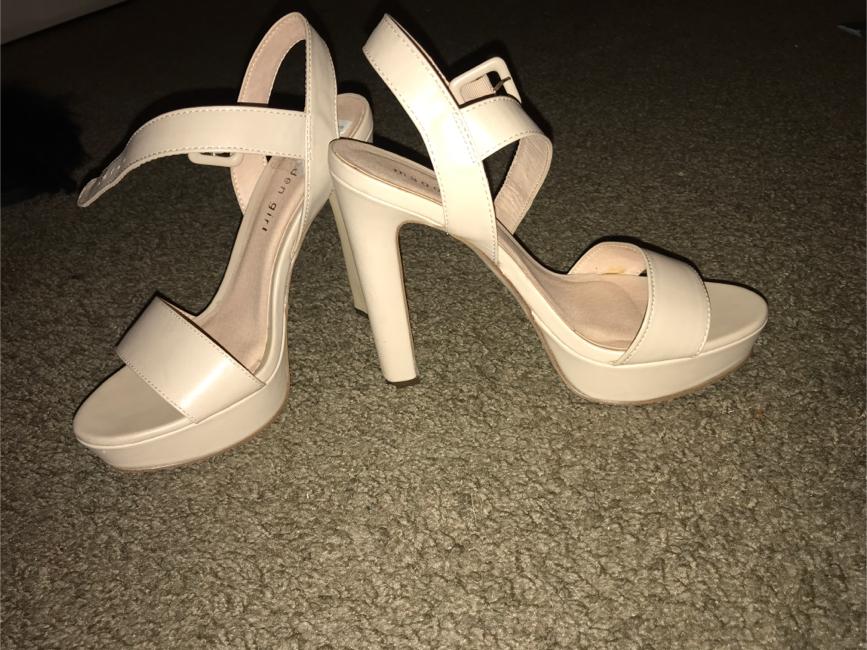 Photo Nude Madden Girl heels