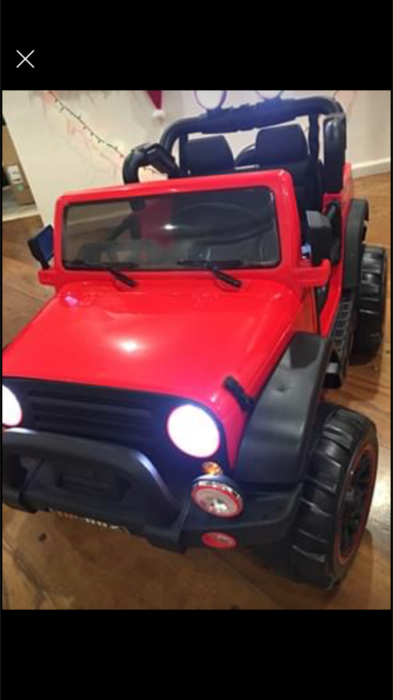 Photo BRAND NEW POWER WHEELS JEEP 2 SEATERS WITH REMOTE CONTROL