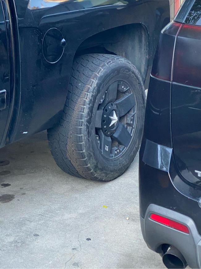 Photo 6 lugs rims for Chevy silverado