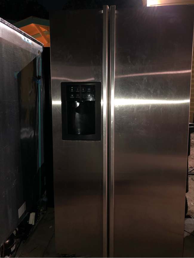 Photo GE Profile Arctica Refrigerator