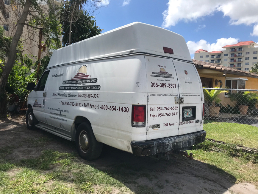Photo 1999 Ford E-350 3dr SD Extended Cargo Van