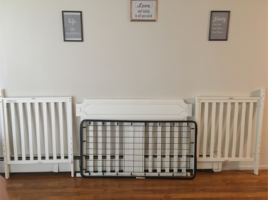 Photo A (4 piece) white crib set (PARTS OF A CRIB)