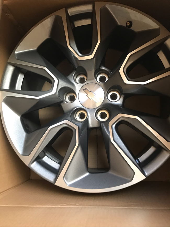Photo Brand new wheels off of 2019 Chevy Silverado 6 lug rims excellent condition, still in box 20 x 9 inch
