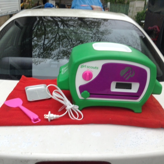 Photo Working Easy Bake Oven Girl Scout Electric For Kids Toy.. #50301. Real-working Girl Scouts Cookie Oven where young bakers can actually SEE cookies bake in the oven window.. Kids can control the cookie in and out of the heating element with a self-guided