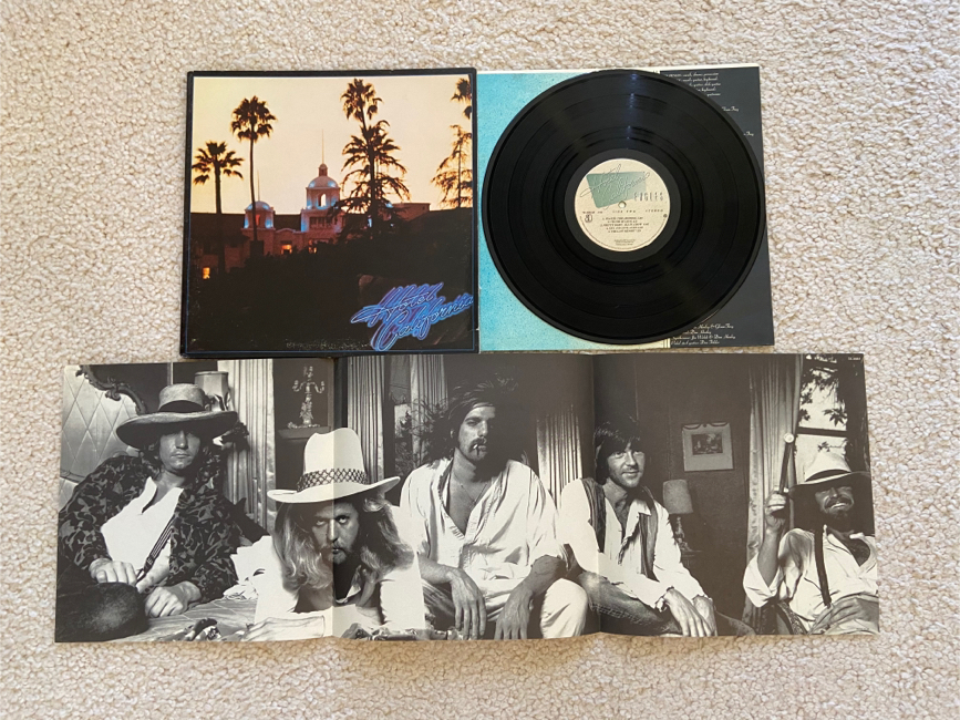 """Photo Eagles """"Hotel California"""" vinyl lp 1976 Asylum Records Original 1st CSM Pressing gorgeous like new vinyl with poster Rock. Definitely the pressing to collect. Vinyl looks pristine unplayed glossy mint minus condition plays flawlessly throughout with"""