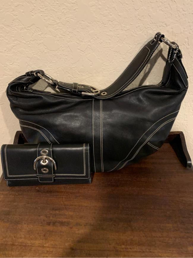 Photo Coach hobo handbag and match wallet