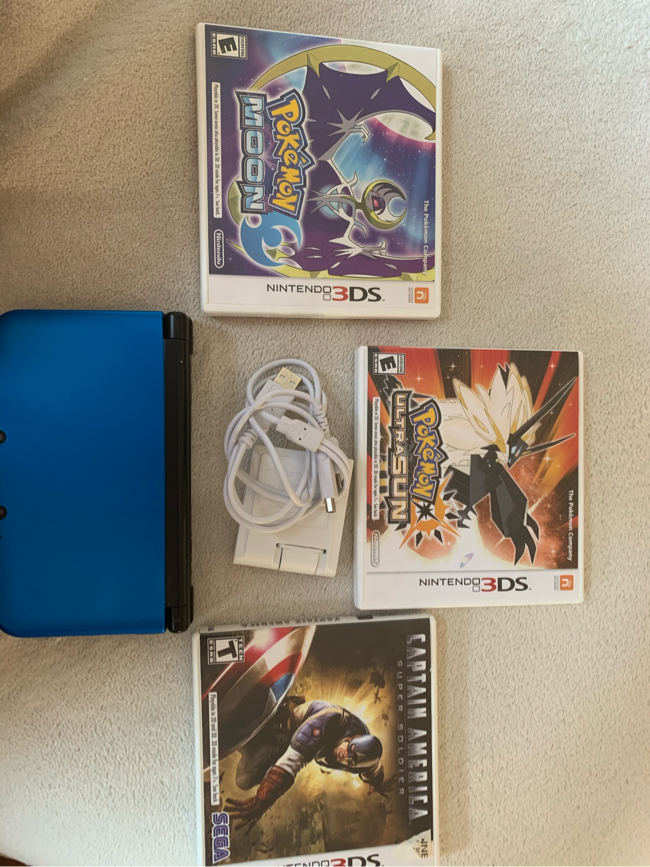 Photo SELLING NINTENDO 3 DS XL $185