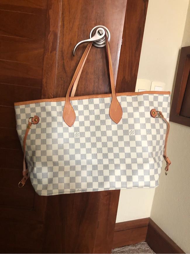 Photo Louis Vuitton Handbag plus mini wallet