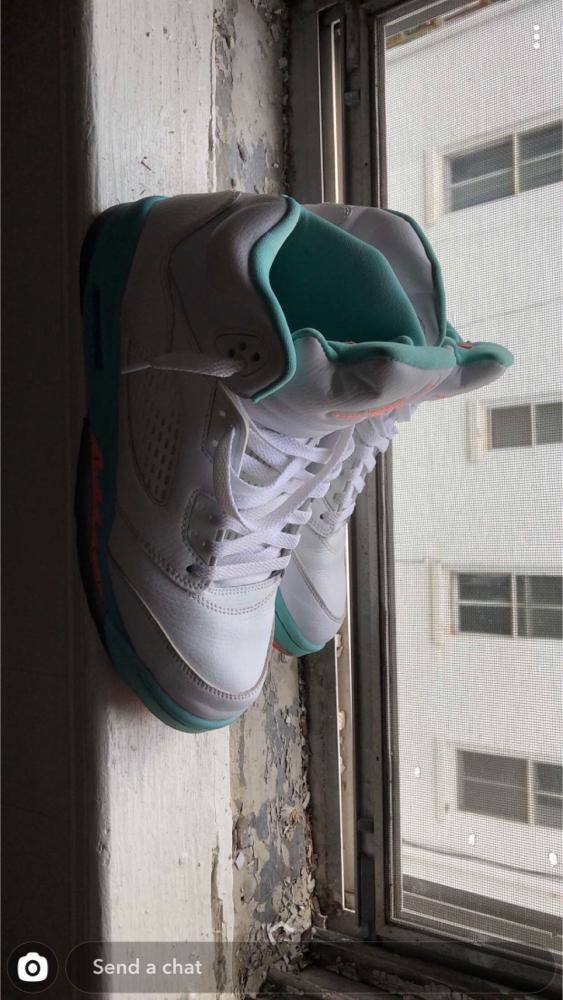 Photo Jordan 5 Retro Light Aqua Size 8