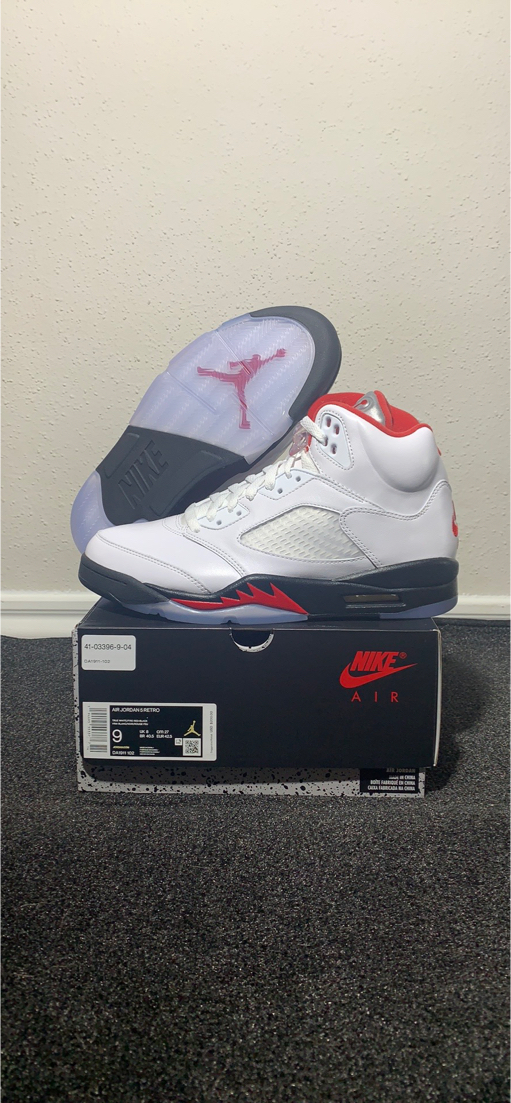 Photo Nike Air Jordan Retro 5 Fire Red Sz 9
