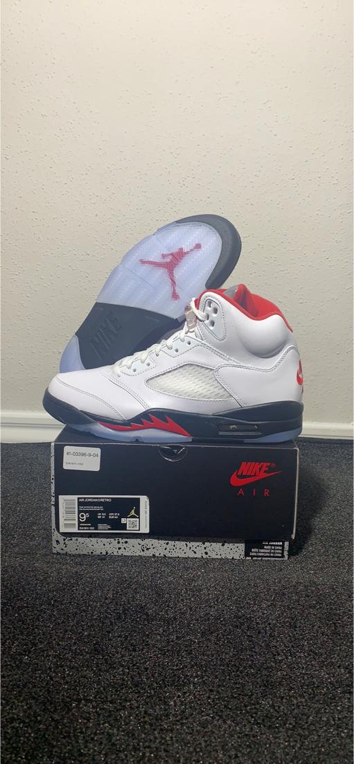 Photo Nike Air Jordan Retro 5 Fire Red Sz 9.5