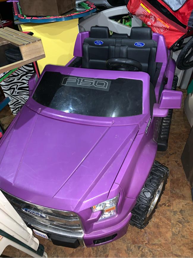 Photo Purple power wheels ford truck