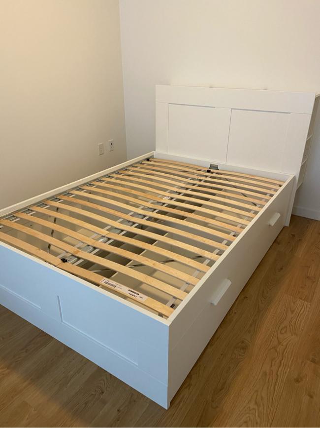Photo IKEA BRIMNES Bed frame with storage & headboard, white, Luroy, Queen