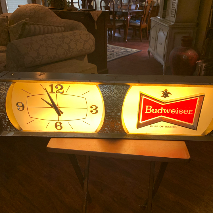 Photo 32x5x9 antique vintage BUDWEISER advertising sign clock. Great man cave item. Works! 99.00. South Austin. Collectibles